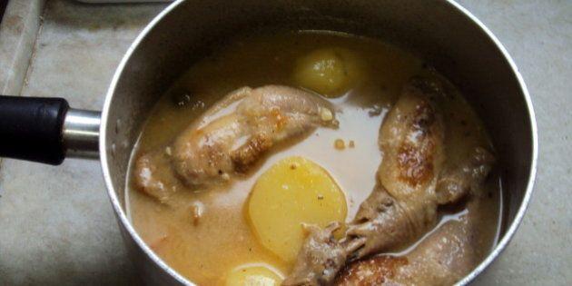 coxões, curry, shoyu, fubá, azeitonas, batatas, alho, do reino, orégano, pitada de manteiga e fio de...