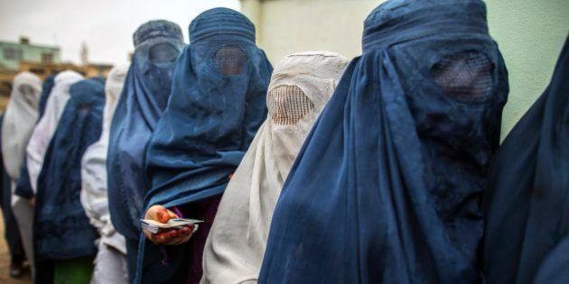 Eleições no Afeganistão: comparecimento alto e número pequeno de ataques