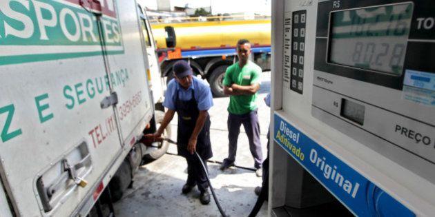 Gasolina sobe pelo Brasil, mesmo sem reajuste oficial do