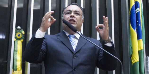 André Vargas se licencia da Câmara após denúncias de envolvimento com