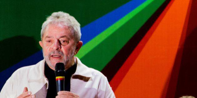 Lula nega candidatura e diz que Dilma é sua candidata à