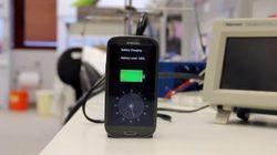 Empresa lança aparelho que carrega celular em APENAS 30