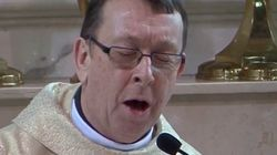ASSISTA: Depois da freira cantora, chegou a hora de conhecer o padre
