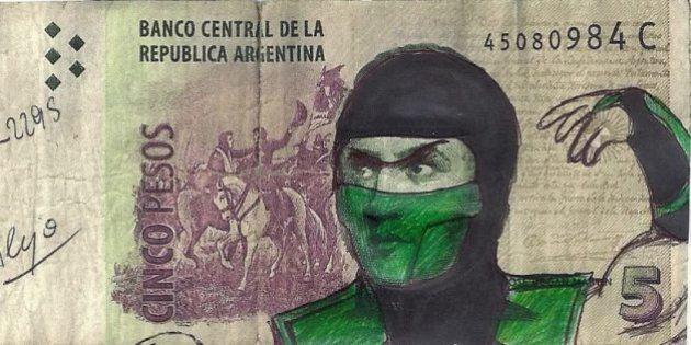 Notas de peso argentino ganham intervenção artística