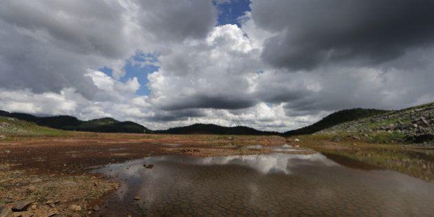 Nível de água do Sistema Cantareira sobe um pouco, mas ainda é