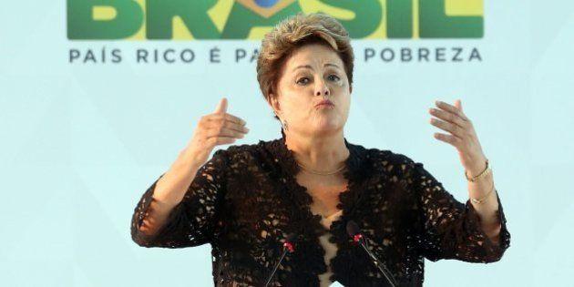Dilma Rousseff segue em queda, mas venceria eleições no primeiro turno, aponta