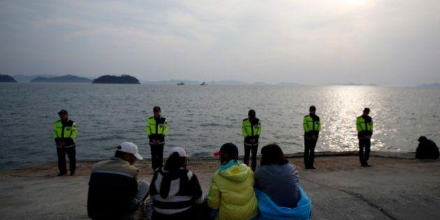 Sobe para 58 número de mortos em naufrágio na Coreia do