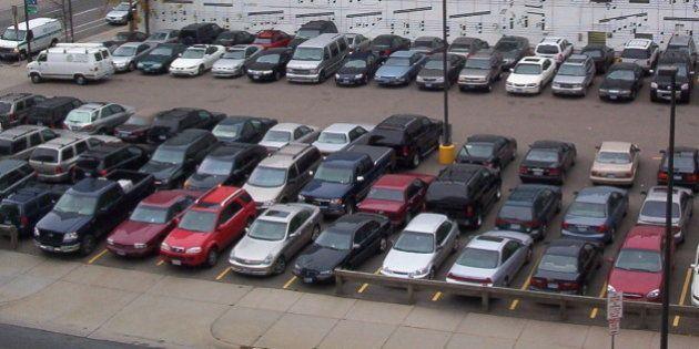 Urbanista norte-americano defende que estacionamentos são os vilões da mobilidade urbana em grandes