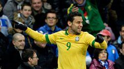 Brasil enfrenta a Turquia, em novembro. Com cinco ou seis estrelas no