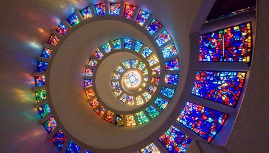Igrejas, Catedrais e os vitrais mais incríveis do