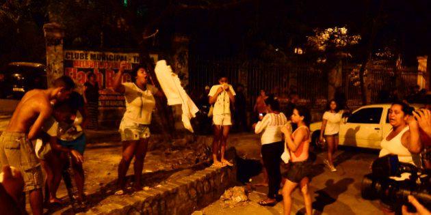 PM não permite protesto por garoto baleado em favela do