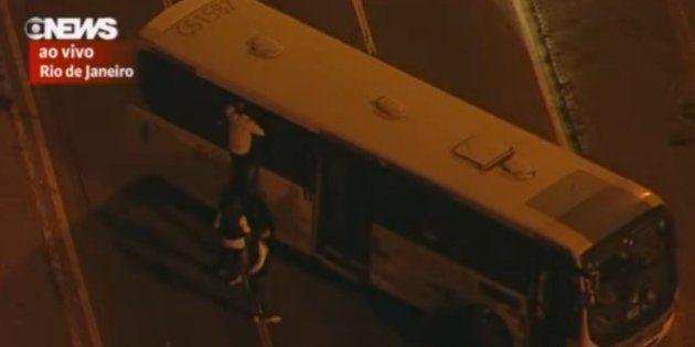Sequestro na Avenida Brasil: passageira de 18 anos e motorista foram reféns por duas horas e