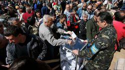 Referendo rebelde na Ucrânia tem clima festivo e