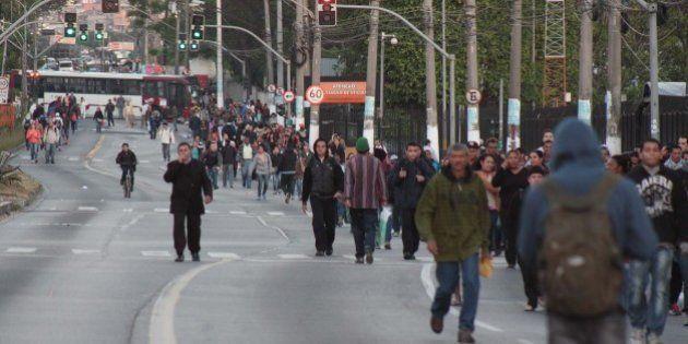 Protesto de motoristas e cobradores afeta zona sul de