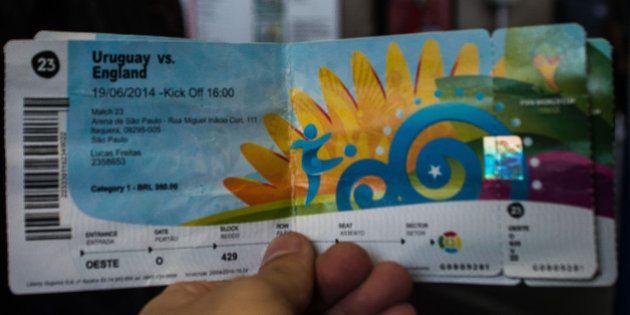 Máfia dos ingressos da Copa: bilhete de filho de vice da Fifa é apreendido com cambistas no