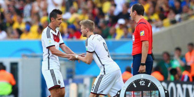 Klose é substituído: Ronaldo