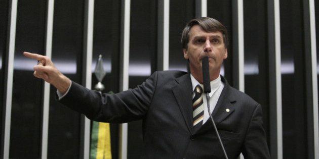 Deputados do PP declaram apoio a Aécio Neves e atingem sonho presidencial de Jair