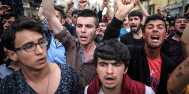 Crise na Turquia: Com 282 mortes confirmadas em tragédia, turcos instauram greve geral no