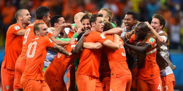 Holanda x Costa Rica: Salvador vê mais uma grande partida na vitória de holandeses sobre costa-riquenhos,...