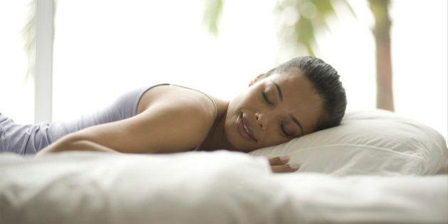 As diferenças entre mulheres e homens na hora de dormir – e por que isso