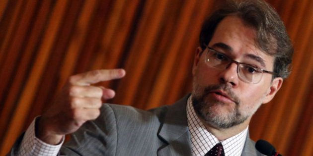 Novo presidente do TSE defende que população escolha os candidatos das eleições: 'Seria mais democrático...