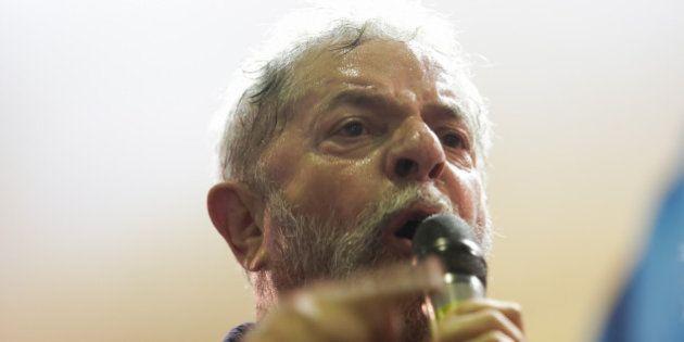 Lula sobe o tom das críticas contra Aécio e relembra recusa do tucano em teste do