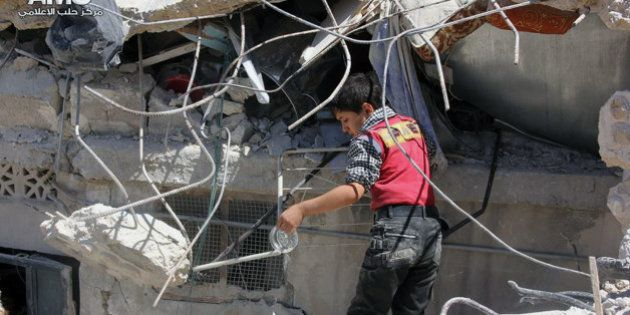 Guerra na Síria: chefe de defesa aérea é morto; rebeldes tomam cidade ao