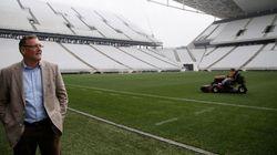 Valcke inicia vistorias finais em estádios e ironiza manifestantes: