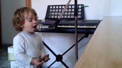 ASSISTA: este garoto de 2 anos é um verdadeiro talento do