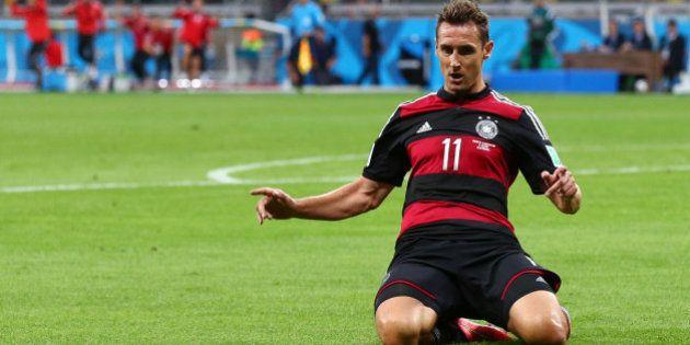 Miroslav Klose marca contra o Brasil e quebra recorde de Ronaldo Fenômeno em Copas do