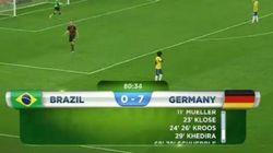 GIF: foi tanto gol que o Brasil levou, que até o painel teve