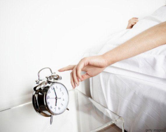 6 provas de que o cigarro afeta o seu sono (e você não