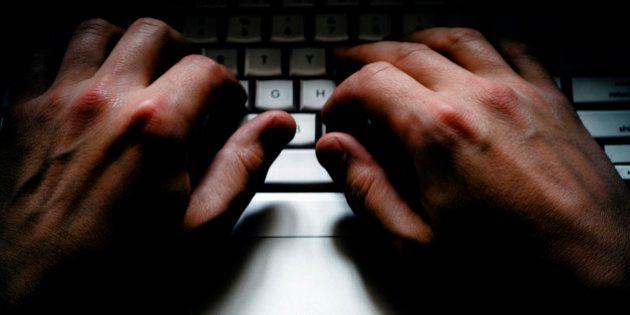 Polícia Federal faz megaoperação contra pornografia infantil na web para prevenir abusos na