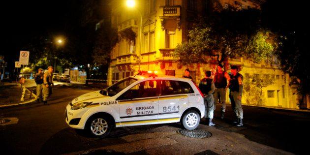 Casa de prefeito e Justiça Militar sofrem ataques no Rio Grande do