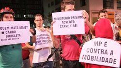 Ciclistas protestam contra paralisação de obras nas ciclovias de