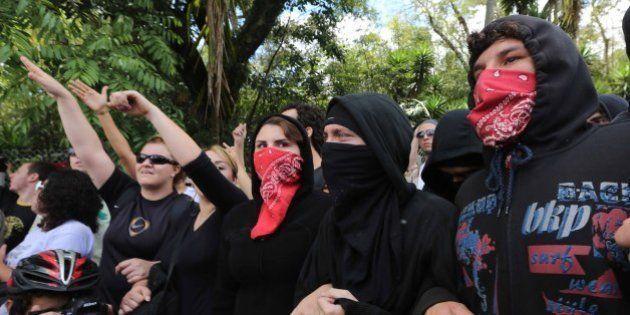 Criminalizar movimentos sociais é retrocesso para o Brasil, aponta debate no