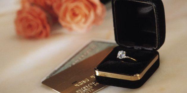 O que o custo de seu anel de noivado pode dizer sobre o seu
