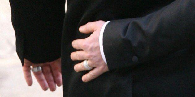 Elton John se casa com David Furnish e compartilha fotos do casamento no