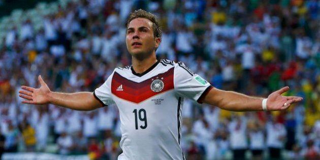 Alemanha vence Argentina na prorrogação e é tetracampeã celebrando o