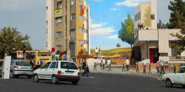 As pinturas surrealistas de Mehdi Ghadyanloo, um transformador da arte de rua no Irã