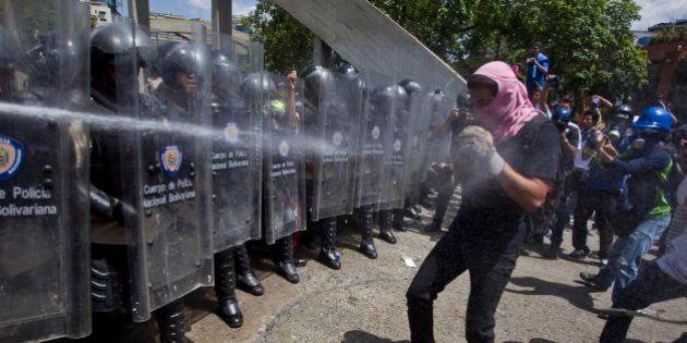 Relatório da Anistia Internacional revela violações dos direitos humanos e crimes cometidos pela polícia