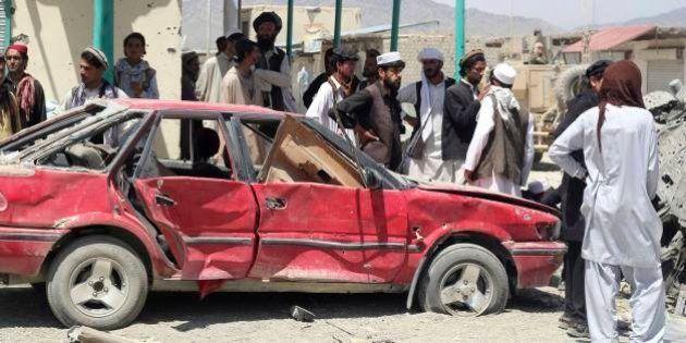Explosão de carro-bomba mata pelo menos 89 no