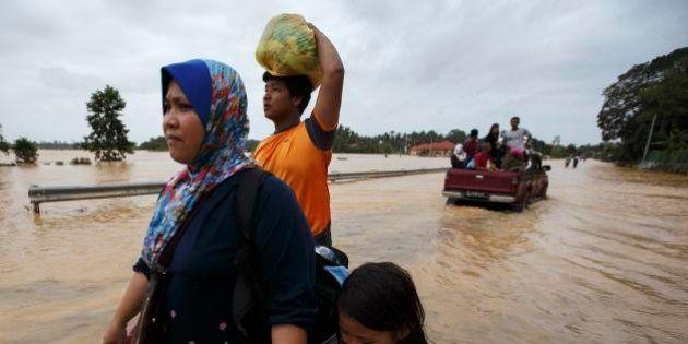 Enchentes na Malásia obrigam quase 250 mil pessoas a deixarem