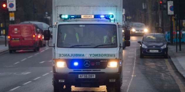 Agente de saúde com Ebola é transferida para hospital de