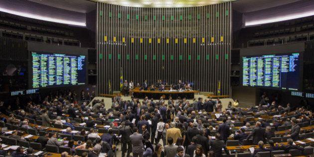 Câmara aprova lei que alivia dívida dos Estados e impõe nova derrota ao governo