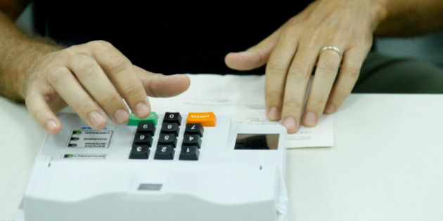 Eleições 2014 - Voto em trânsito no IESB, Asa Sul, Brasília.Foto: Marri Nogueira/Agência