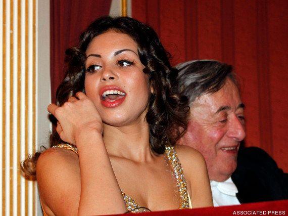 Justiça inocenta Berlusconi de acusação de prostituição de menores por caso