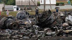 Corpos caíam do céu depois da explosão de avião da