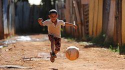 No Brasil, se a aprovação à Copa é relativa, o amor ao futebol é unânime