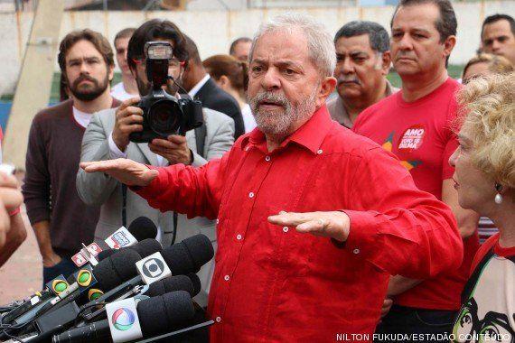 Sobre denúncias de Youssef, Lula diz que está com a
